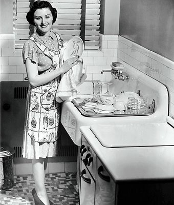 vintage-housewife-dishes